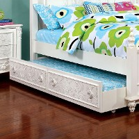 Henrietta Pull-Out Bed